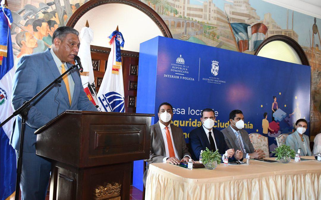 Ministro de Interior afirma llegó el momento de enfrentar con gallardía la proliferación de armas ilegales en las calles del país.