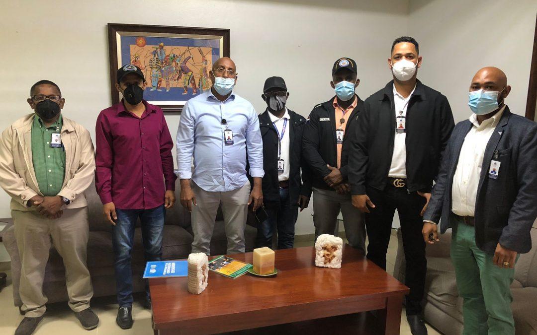 Interior y Policía supervisa parques y billares en Santiago