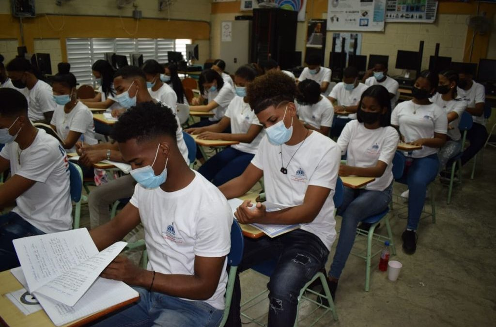Comienza capacitación de jóvenes del barrio Cristo Rey