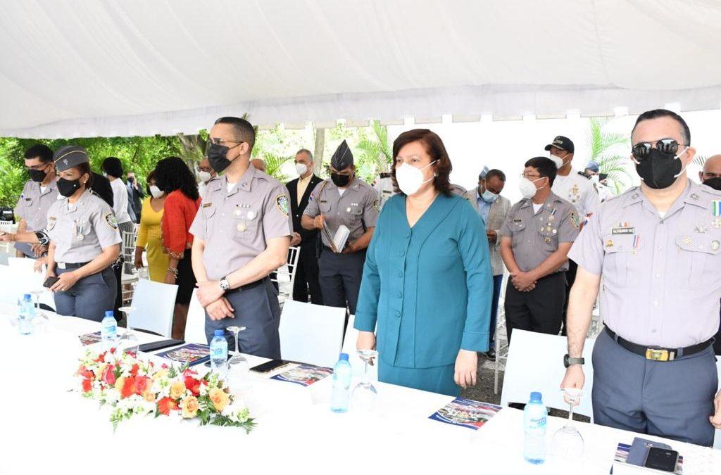Interior y Policía recibe 927 nuevos agentes de la 136 promoción de la Escuela de Entrenamiento Policial Mayor General Benito Monción Leonardo, en Hatillo, San Cristóbal